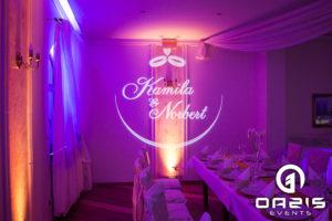 Projektor GOBO na weselu - wyświetlanie imion