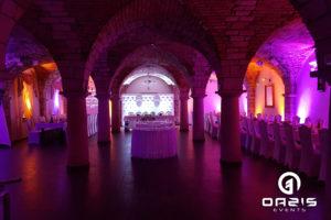 Ścianka ślubna, gobo i dekoracja światłem w Ceglanym Dworku w Chojnowie.