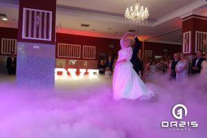 Taniec w chmurach Młodej Pary w Lubinie Magnat, ciężki dym