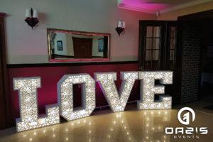 Świecący napis LOVE sala Magnolie Legnica