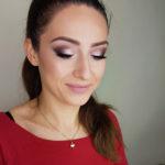 makijaż ślubny, podkreślone oko, uśmiech, brwi, makeup, panna młoda, rozświetlony makijaż